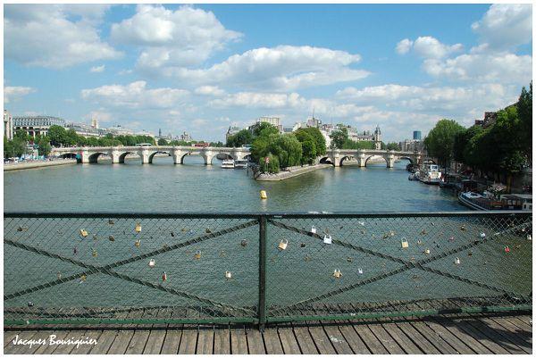 Paris Pont des arts cadenas 01