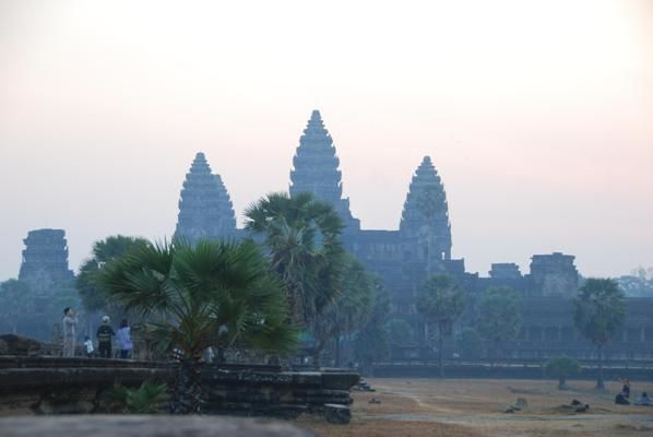 Lever-de-soleil-a-Angkor-Wat.jpg
