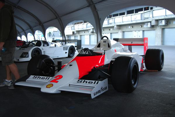 mcLaren_mp4-2b_champion_du_monde_1985-copie-1.JPG