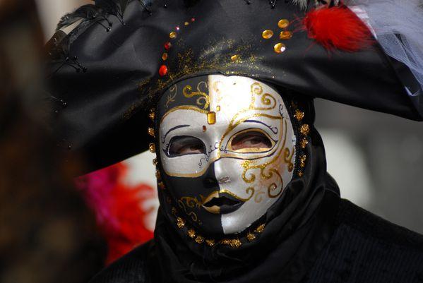 Venice-carnival-la-moretta.jpg