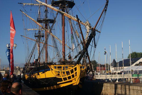 FCM-lundi-depart-des-bateaux-paimpol-15-aout-042--Copier-.JPG