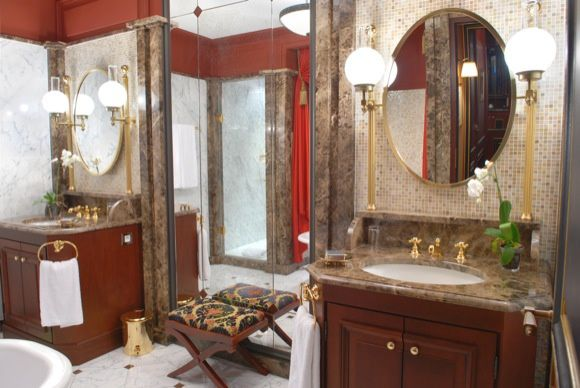 royale bathroom-2