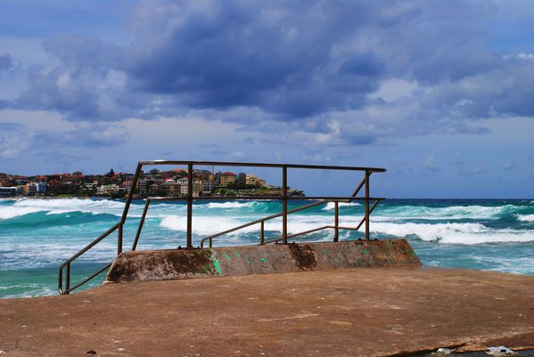 bondi-beach-backpacker 0048