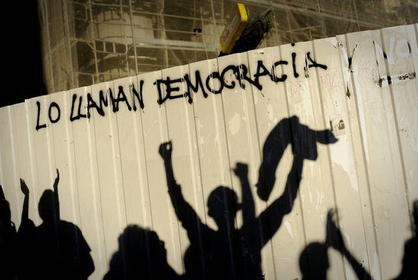 lo-llaman-democracia2.jpg