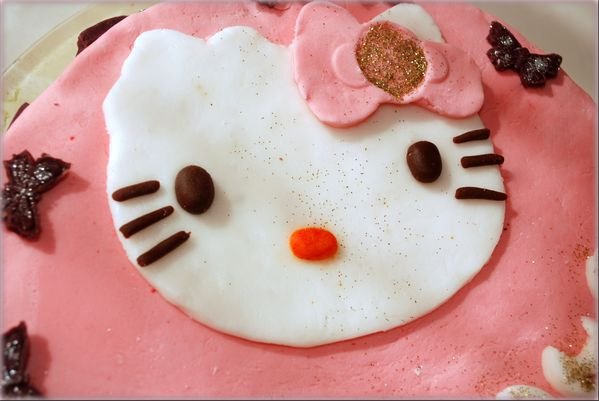 Gateau Hello kitty1