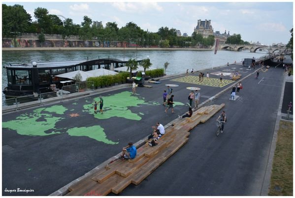 Paris voies sur berges continents verts