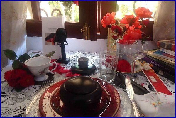 table-mai-1s-.jpg