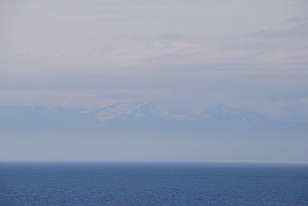 Le-bleu-du-lac-Baikal-et-les-Monts-Kabar-Daban.jpg