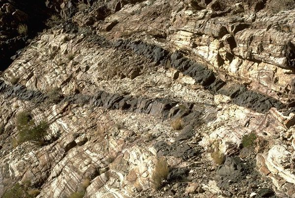 death-valley---Mafic-sill---dike-cutting-marble---Marli-Bry.jpg
