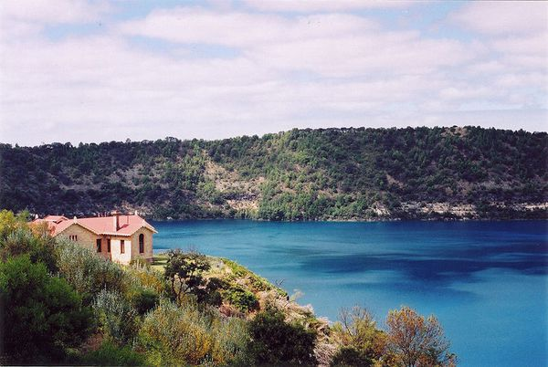 Mount_Gambier_Blue_Lake---Diceman.jpg