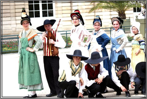 dancers from french province 4jpg