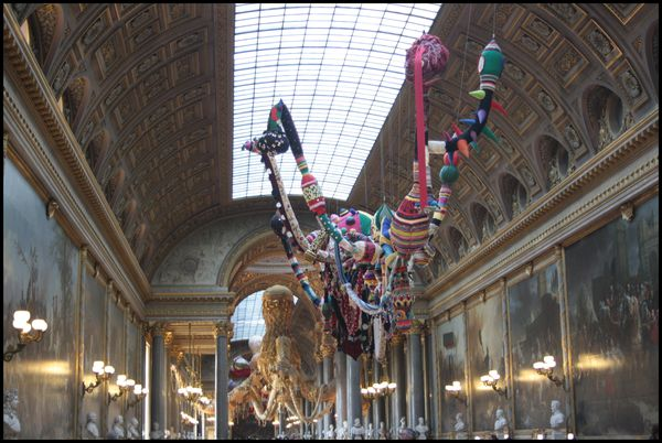 Valkyries---Joana-Vasconcelos---galerie-des-Batailles.jpg