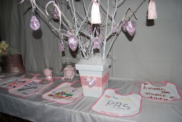 baby shower en gris et rose le blog de. Black Bedroom Furniture Sets. Home Design Ideas