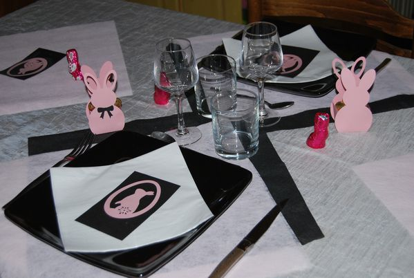 table-lapin-de-paques-rose-008.jpg
