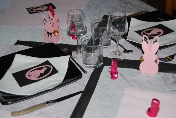 table-lapin-de-paques-rose-013.jpg