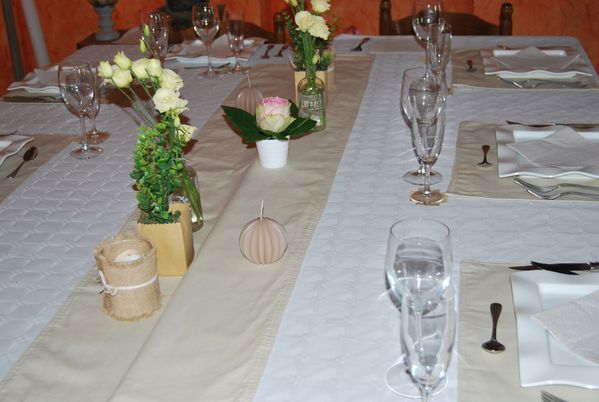 table anniversaire naturelles jute et lin le blog de. Black Bedroom Furniture Sets. Home Design Ideas