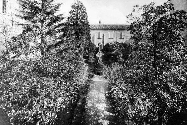 la-cour-interieure-en-1933.jpg