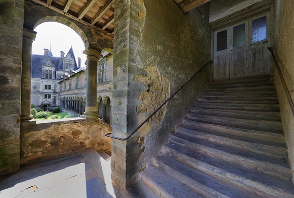 800CHATEAUBRIANT ESCALIER 2