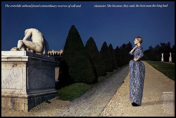 Annie-Leibovitz-Marie-Antoinette-Kristen-Dunst--2.jpg