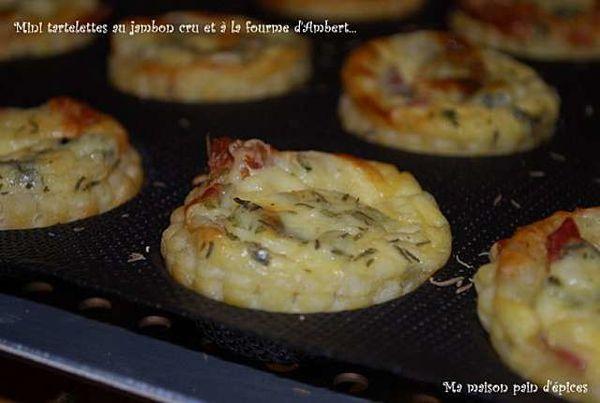 Mini-tartelettes-au-jambon-cru-et-a-la-fourme-d-Ambert_Phot.jpg