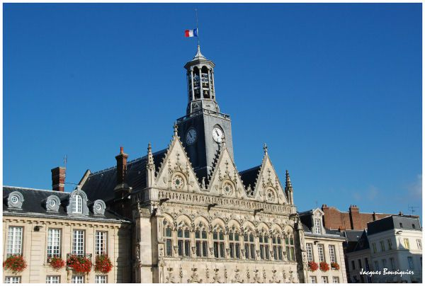 Saint Quentin Aisne hotel de ville 2