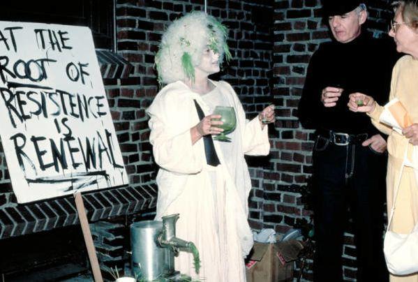 Labowitz Leslie Haunted womanhouse 83