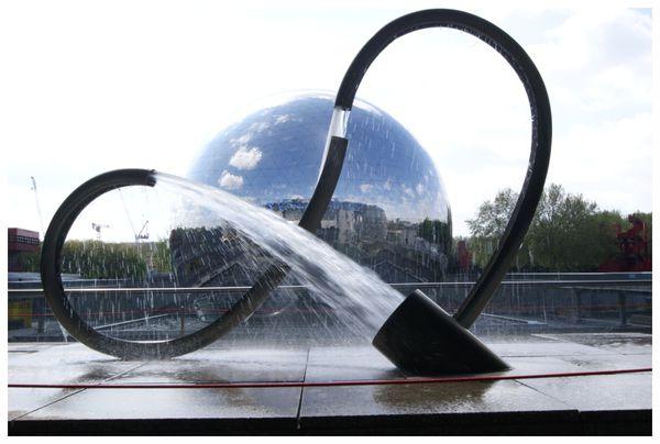 Fontaine-en-tube.JPG