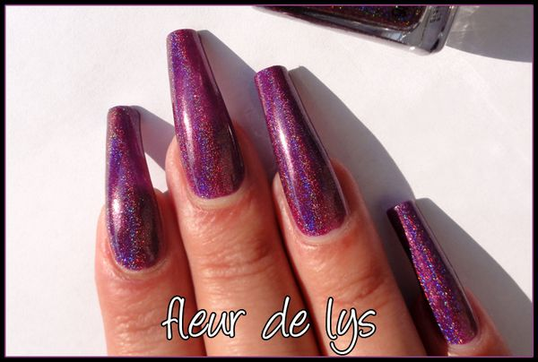 Glitter Gal Dark purple 3D holo