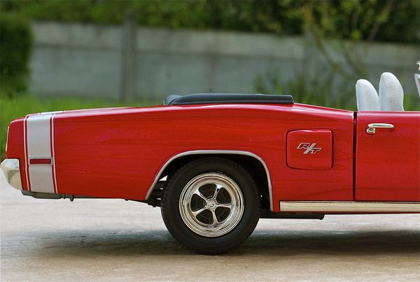 DODGE CORONET CABRIOLET ROUGE YATMING10