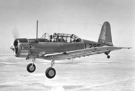 Photo 3 consolidated-vultee-bt-13-trainer