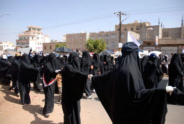 sem11novd-Z27-opposition-feminine-yemen.jpg
