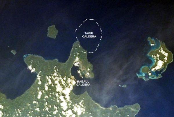 Tavui-caldera.jpg