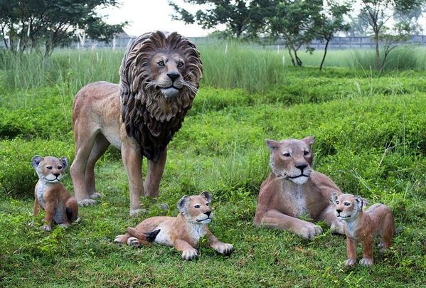 animals-life-size-fiberglass-resin.jpg