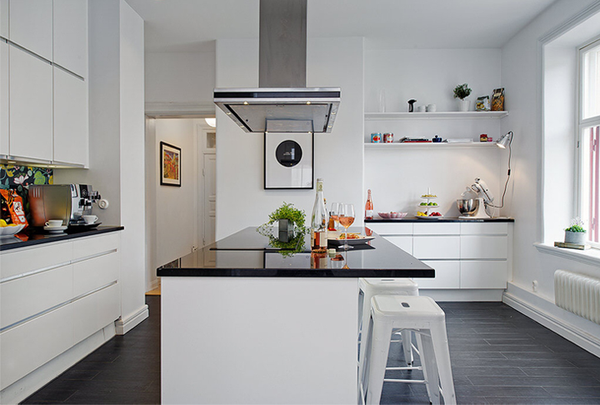 79ideas_black-and-white-kitchen.png