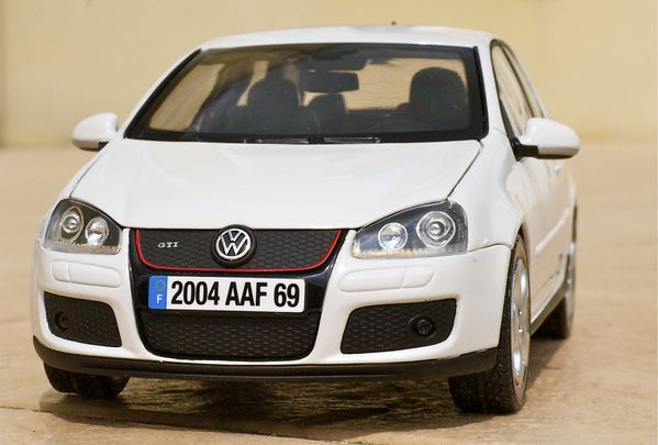 VW GOLF GTI COUPE BLANC NOREV27