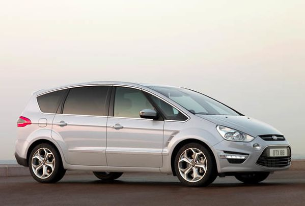 ford s max sport. Ford S Max 2011.