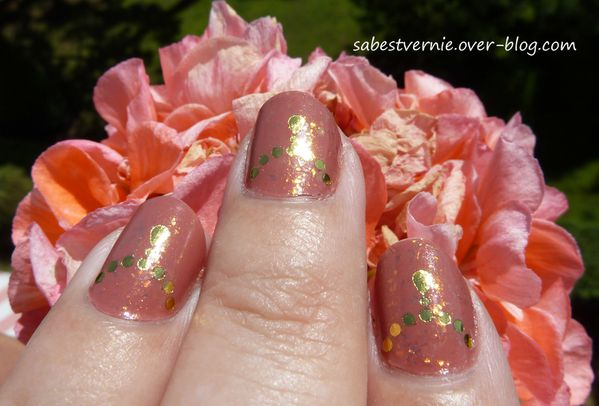 Nail-art-water-decal-detail.jpg