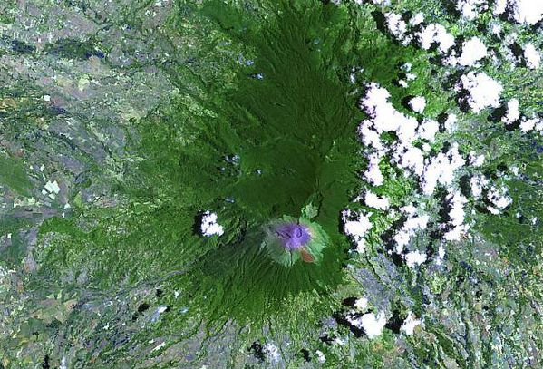 Canlaon-2003---Nasa-Landsat----Univ.Hawaii.jpg