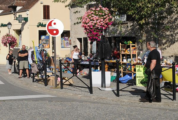 SERVON ( Seine & Marne ) Jour de brocante ( Didier-copie-11