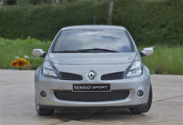 RENAULT CLIO RS3 COUPE GRIS SOLIDO15