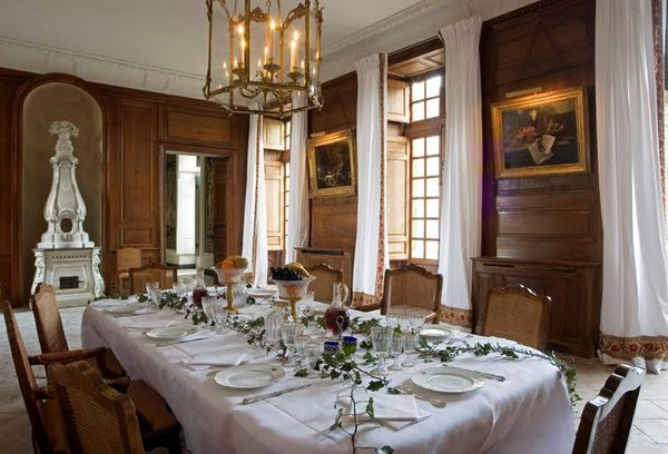 Le blog de plaisir de for Chateau d ax table de salle a manger