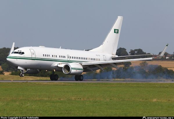 HZ-101-Royal-Saudi-Air-Force-Boeing-737-700_PlanespottersNe.jpg