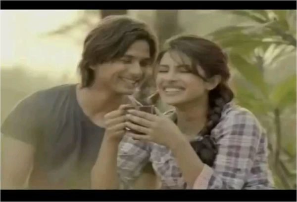 Shahid-Kapoor-and-Priyanka-Chopra-in-New-Bru-Gold-Coffee-Ad.jpg