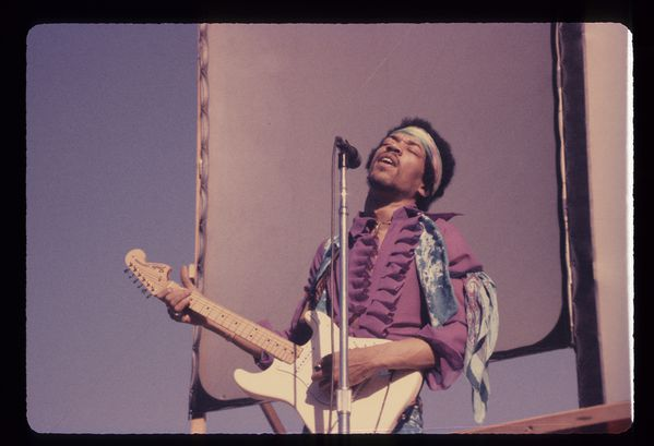 Jimi-Hendrix_Photo-by-Richard-Peters_C_Authentic-Hendrix-L.jpeg