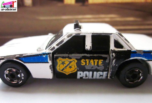 crash-patrol-police-hot-wheels-crackups (8)