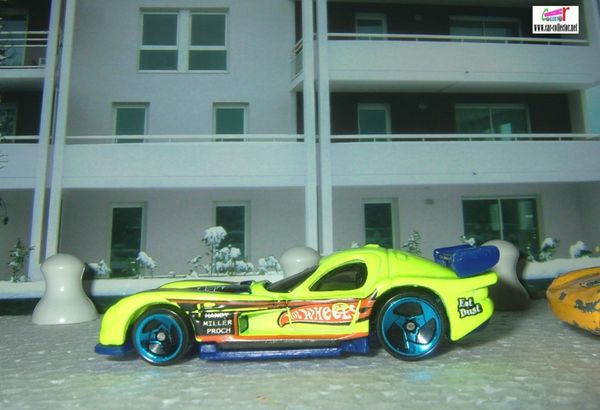 Panoz gtr1 jaune fluo light yellow 2003.139 (1)