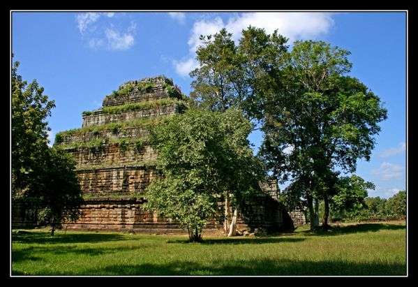 Prasat Tom01