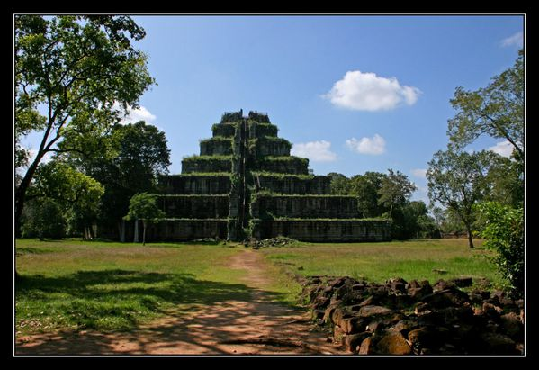 Prasat Tom02