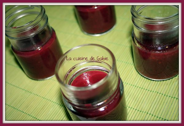 compote pomme et fruits rouge