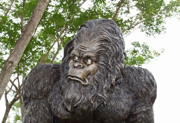 personnage fiberglass reproduction yeti